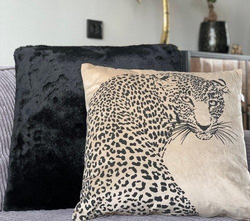Sierkussen 'Simba', trendy sierkussens, dierenkussens, velvet kussens, junglemush, trenchic, DDL0222300375-Jungle-4